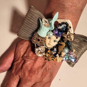 Wendy Gell Adagio Face Bracelet Silver Bow